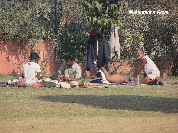 Desi Massage at Subhash Park, Delhi