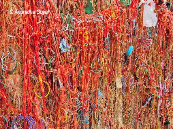 Mannat or wish asking threads in Ajmer