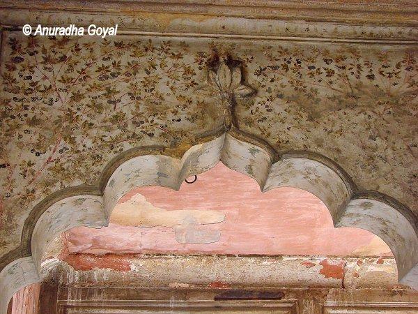 Paintings that still remain at Roshanara Bagh, North Ridge, Delhi