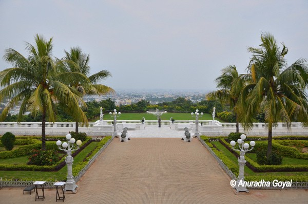 Take a look at Hyderabad city from Falaknuma