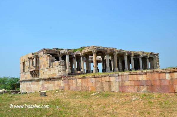 Ruins of a pavillion at Champaner