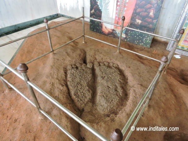 Footprints of Mahaprabhu Vallabhacharya at Bauthak in Arvalem