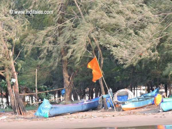 Boats resting at the waterfront on Mandovi at Panaji