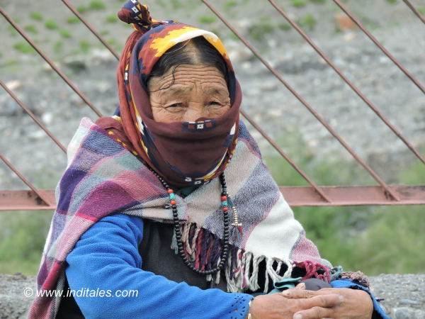 Layers of Clothing & Covered Heads in Himachal Pradesh
