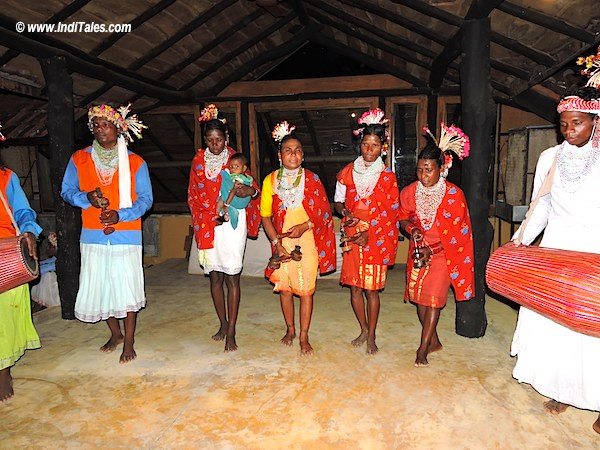 Dance of Baiga tribe of Bandhavgarh