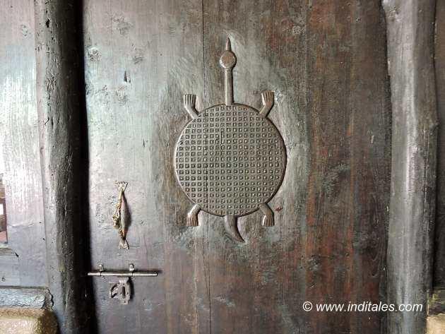 Wood Carvings at Kings Lodge Bandhavgarh