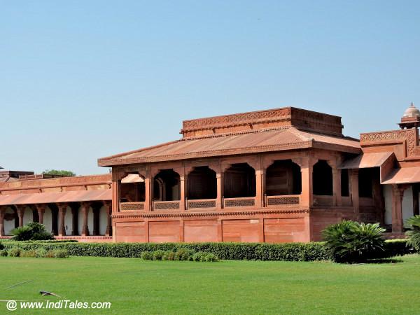 Akbar's seat at Diwan-e-aam Fatehpur Sikri Agra