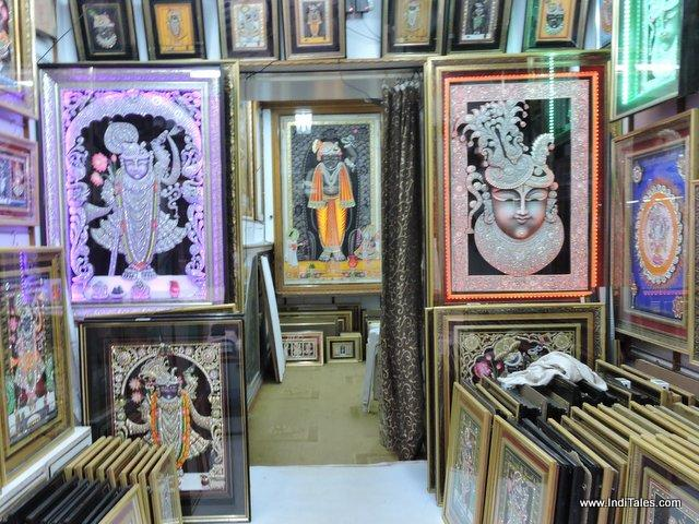 Shrinathji Paintings in streets of Nathdwara, near Udaipur, Rajasthan