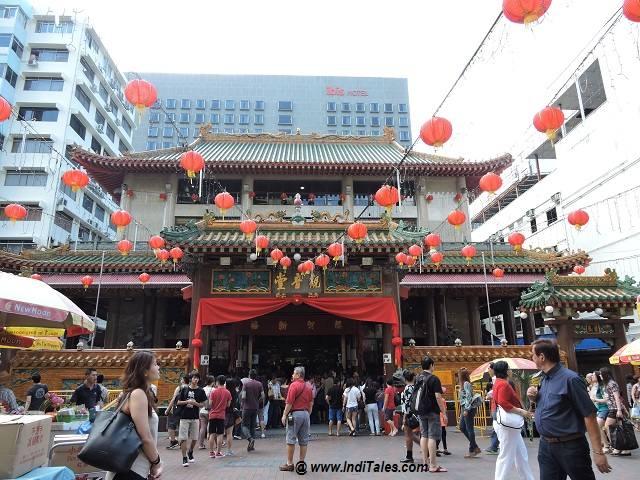 Ibis singaopore hotel chinese temple