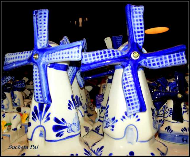 Windmilln in Delft Pottery, Amsterdam
