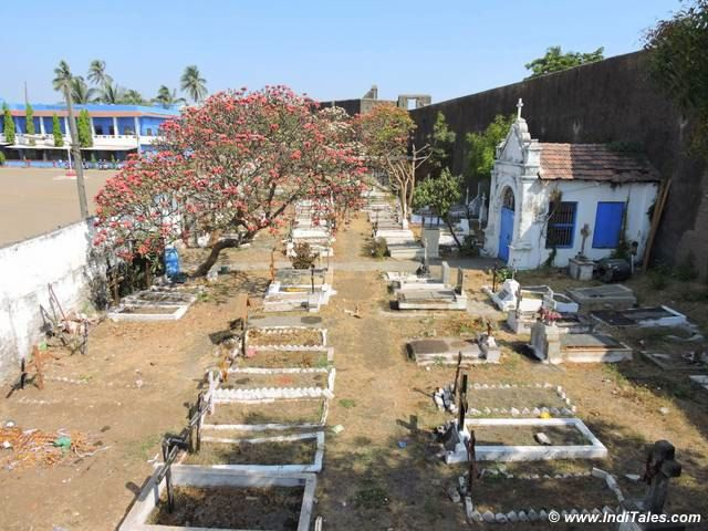 Cemetery at Saint Jerome Fort, Daman