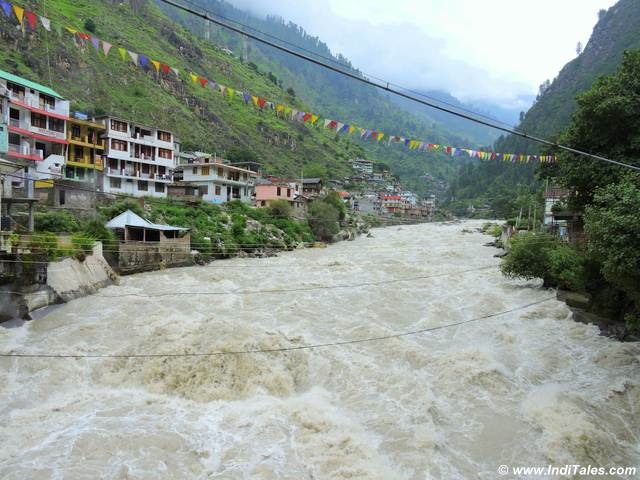 Parvati River in Parvati Valley at Manikaran, Himachal Pradesh