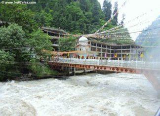 Bridge over Parvati River to reach Manikaran, Himachal Pradesh