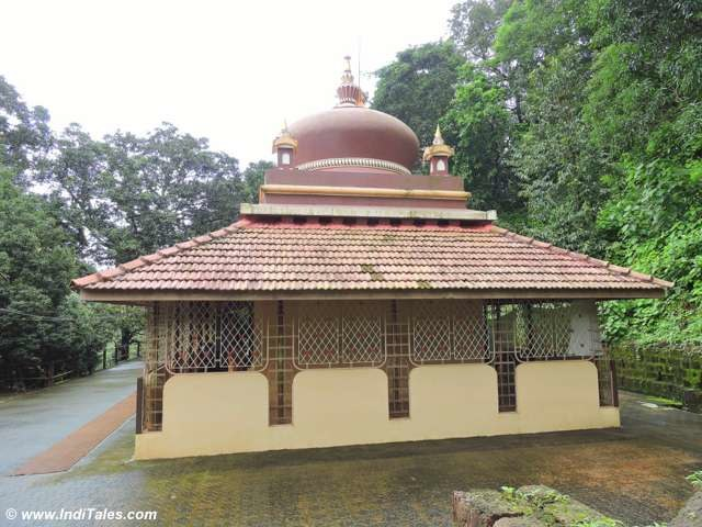 Lakshmi Keshav Temple, Kolisare