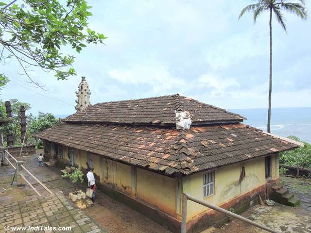 Ancient Shiva temple - Karhateshwara