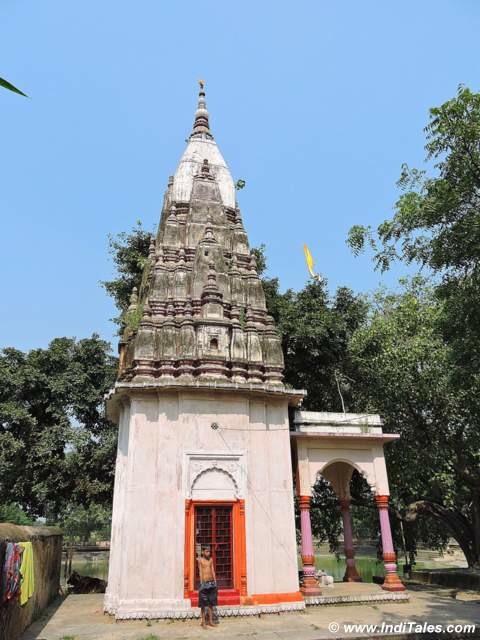 Chandikeshwar Mahadev Temple at Bhim Chandi Padav on Panch Kroshi Yatra