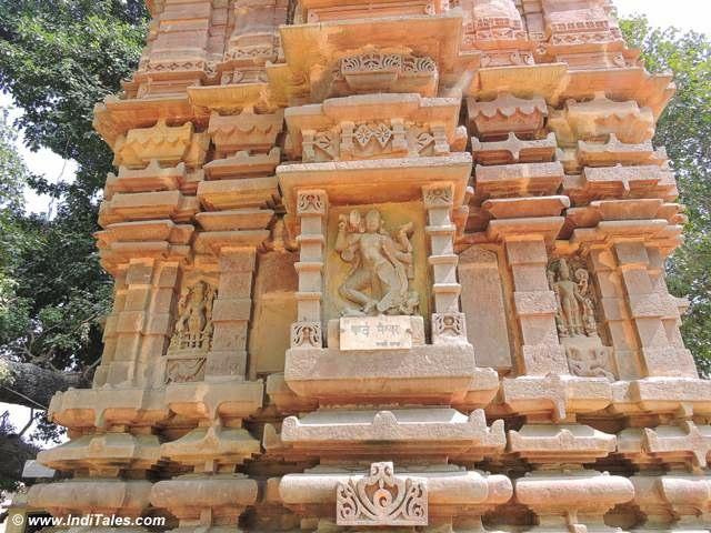 Sculpted walls of Kardameshwar Temple at Kandwa