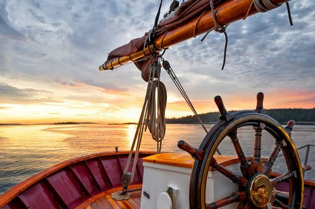 Sunset or Sunrise - no sailing phrases tell us that