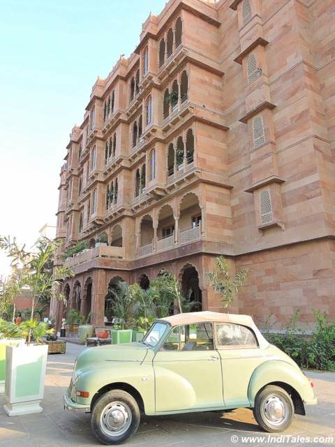 A vintage car parked at Narendra Bhawan, Bikaner