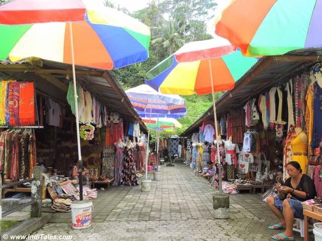 Market at Pura Tirtha Empul in Bali