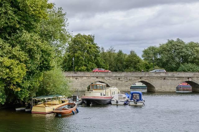 River Avon & its Clapton Bridge - Stratford upon Avon