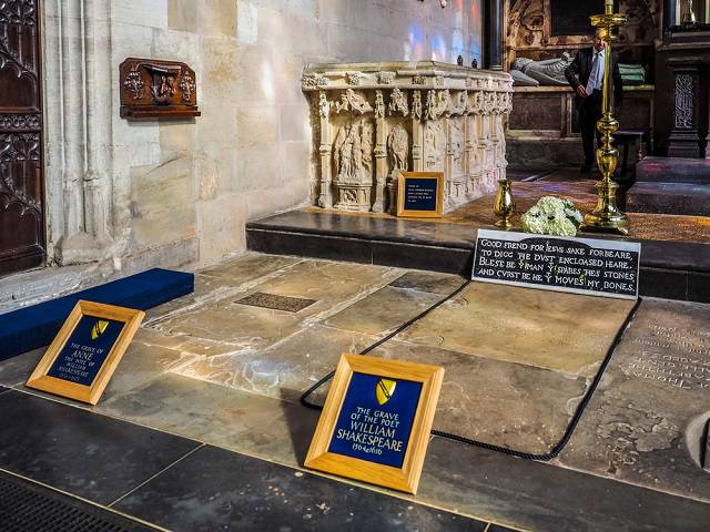 Shakespeare's grave at Holy Trinity Church - Stratford upon Avon