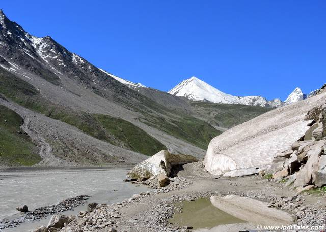 Drive to Rohtang Pass, through the cut glaciers