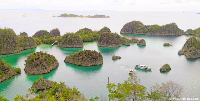 Islands of the star lagoon - Raja Ampat