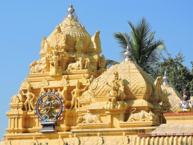 बाल त्रिपुर सुंदरी मंदिर के शिखर पर नटराज का वास