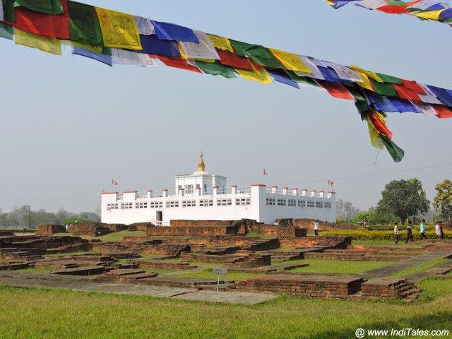 माया देवी मंदिर - पृष्ठ भाग