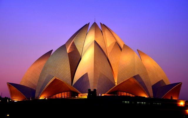 नई दिल्ली स्थित कमल मंदिर