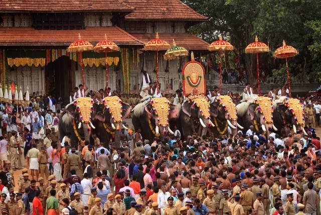 श्री वडक्कन्नाथन मंदिर में त्रिचूर पूरम उत्सव