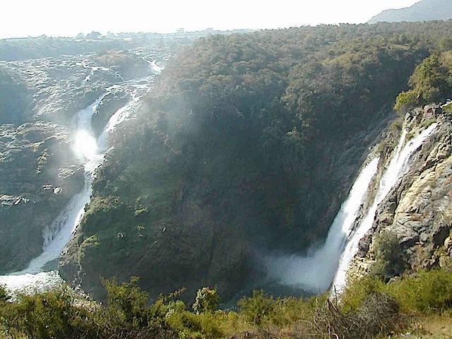 Shivasamudram Falls or Shivanasamudra Falls