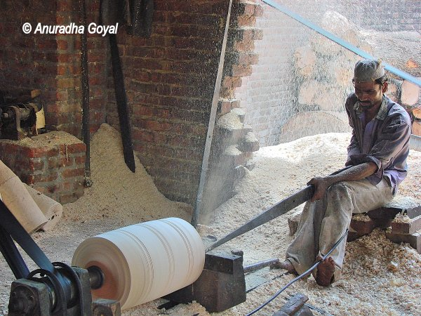 Dholaks manufacturing at Amroha