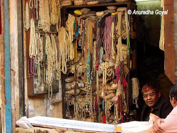 Jewelry made of animal bones, Delhi Bazaars
