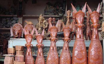 Traditional Bankura horses Terracotta artifacts at Art Mart of Bishnupur