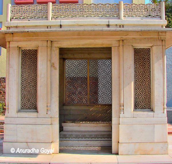 Mirza Ghalib Grave, Basti Nizamuddin, Delhi