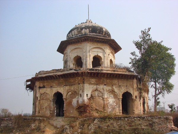 Chhatri at Farrukhnagar