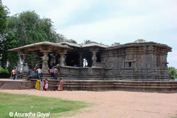Kakatiya Temples - Thousand pillar temple at Hanamkonda