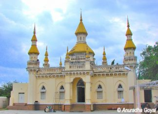 Spanish Mosque or Begumpet Mosque, Hyderabad