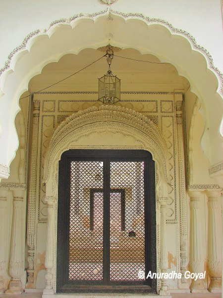 Excellent Art Works at Paigah Tombs