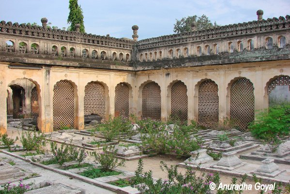 Paigah Tombs complex