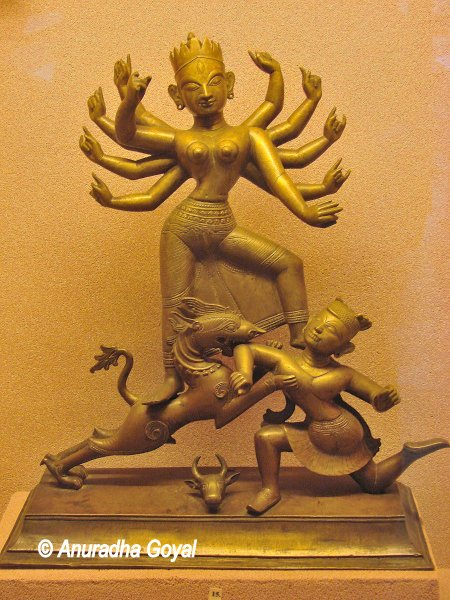 Sculpture at Guwahati museum