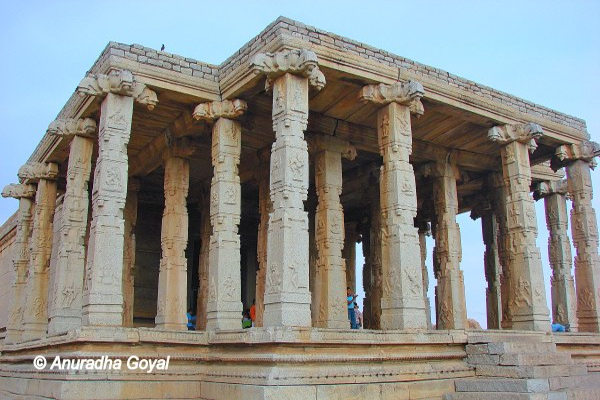Pavilion of Peanut Ganesha temple at Hampi