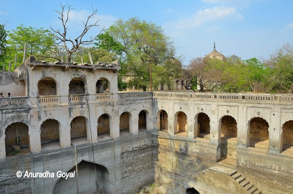 Bauli or Water Tank at Qutub Shahi tombs complex