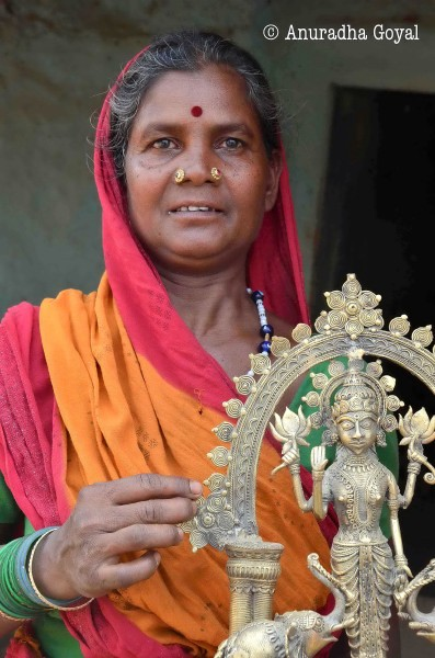 National award winner Dhokra artist Smt Budhiarin Devi at Ektaal crafts village