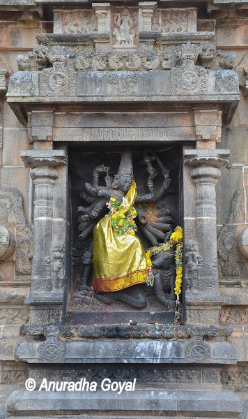 Mahishasuramardini sculpture on the walls of Nataraja Temple Chidambaram