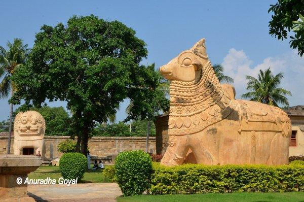Nandi Statue in stone at Brihadeeswarar temple complex, Gangaikonda Cholapuram