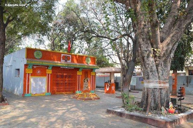 Hanuman Temple at Lal Darwaza