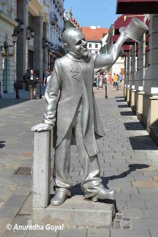 Modern Art Silver colored Sculpture